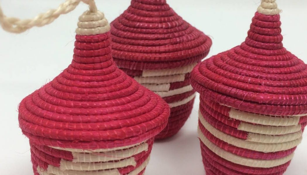 Agasake Peace Baskets – Miniature-Raspberry