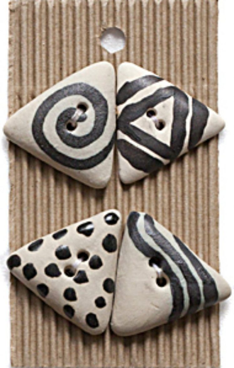 Ceramic Buttons Black and White Triangles L277