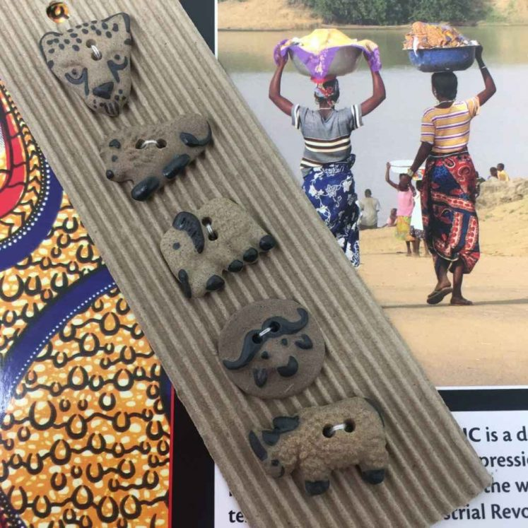 Ceramic Buttons African Big Five L258