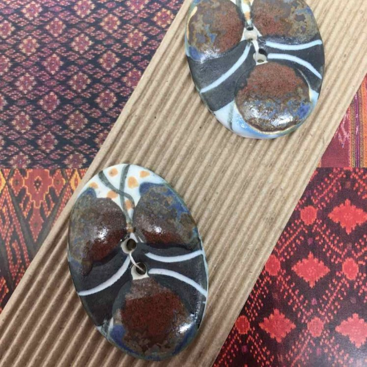 Ceramic Buttons Shiny Brown Oval L513