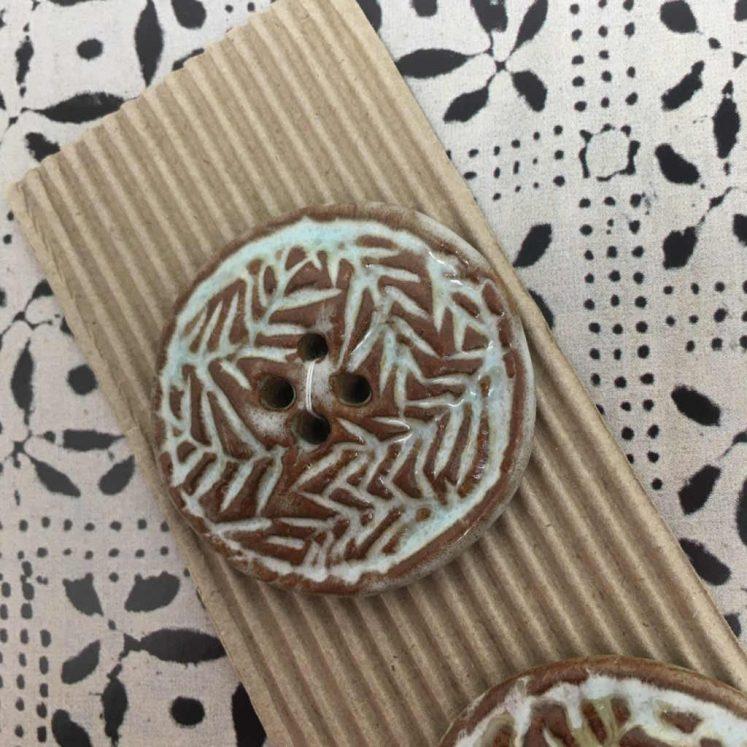 Ceramic Buttons Large Round Glazed Fern design L355