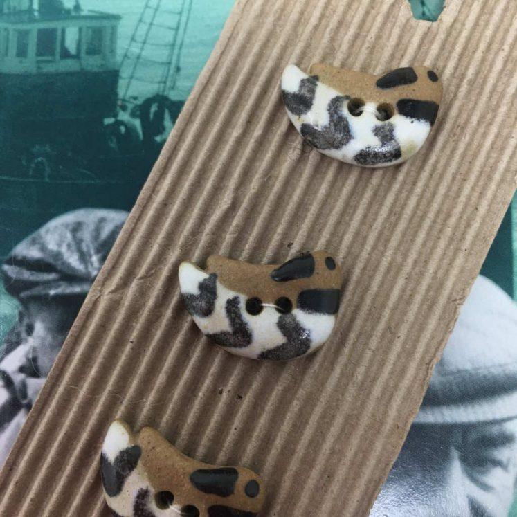 Ceramic Buttons Brown Ducks L82