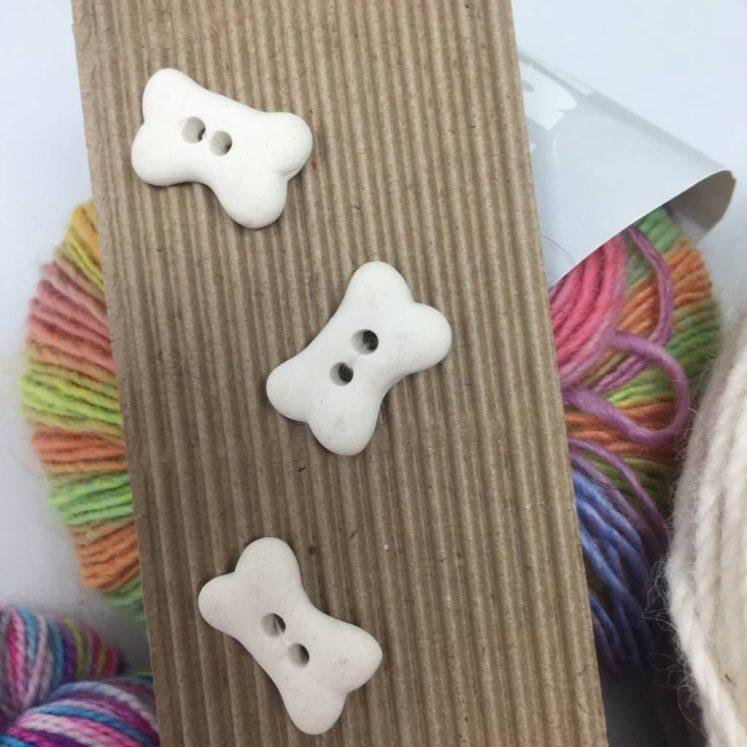 Ceramic Buttons Bones L54