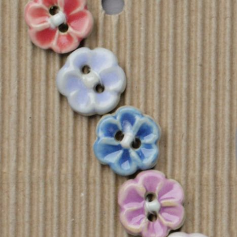 Ceramic Buttons Assorted flowers L572