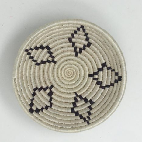 Rwandan Baskets – Bowl Black and White 1