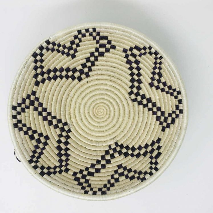 Rwandan Baskets – Bowl Black and White 2