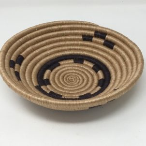 Rwandan Baskets – Bowl Simply Black and Cream 2