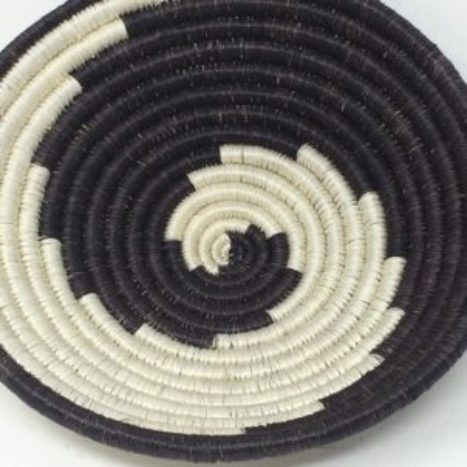 Rwandan Baskets – Bowl Monochrome Spiral