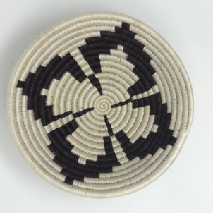 Rwandan Baskets – Bowl Monochrome Clover