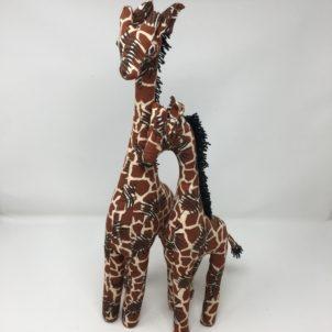 Amazing Animals – Mother and Child Giraffe