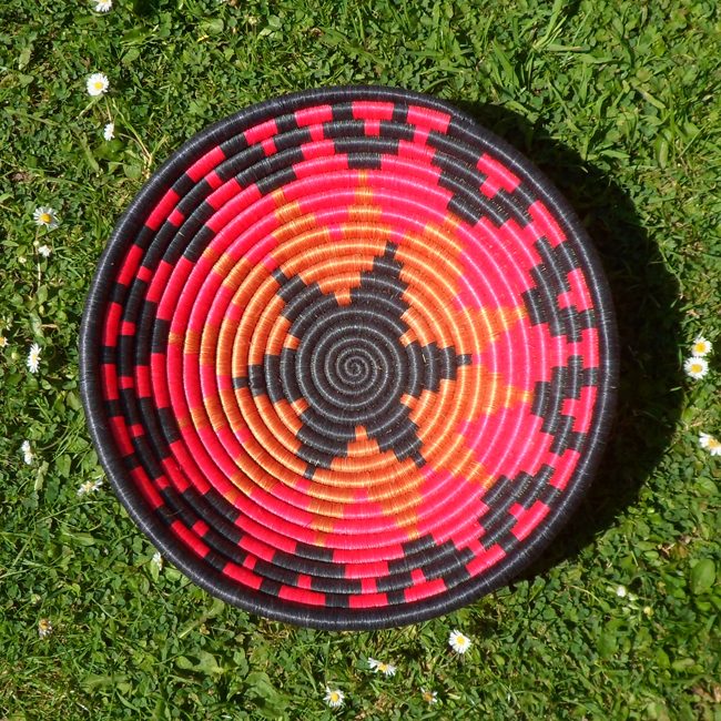 Red and black star bowl