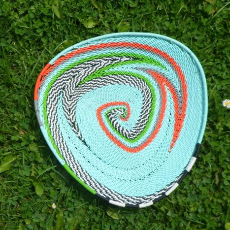 Triangular telephone wire bowl 5