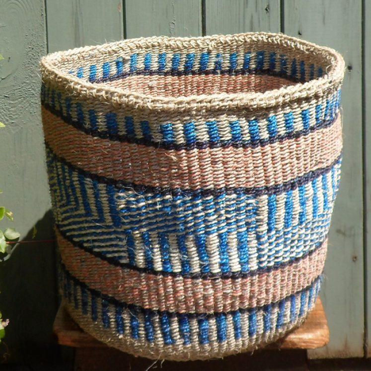 Large sisal basket L10