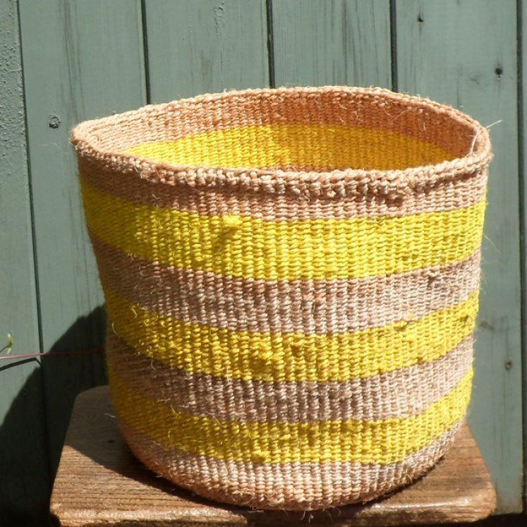 Medium sisal basket M11