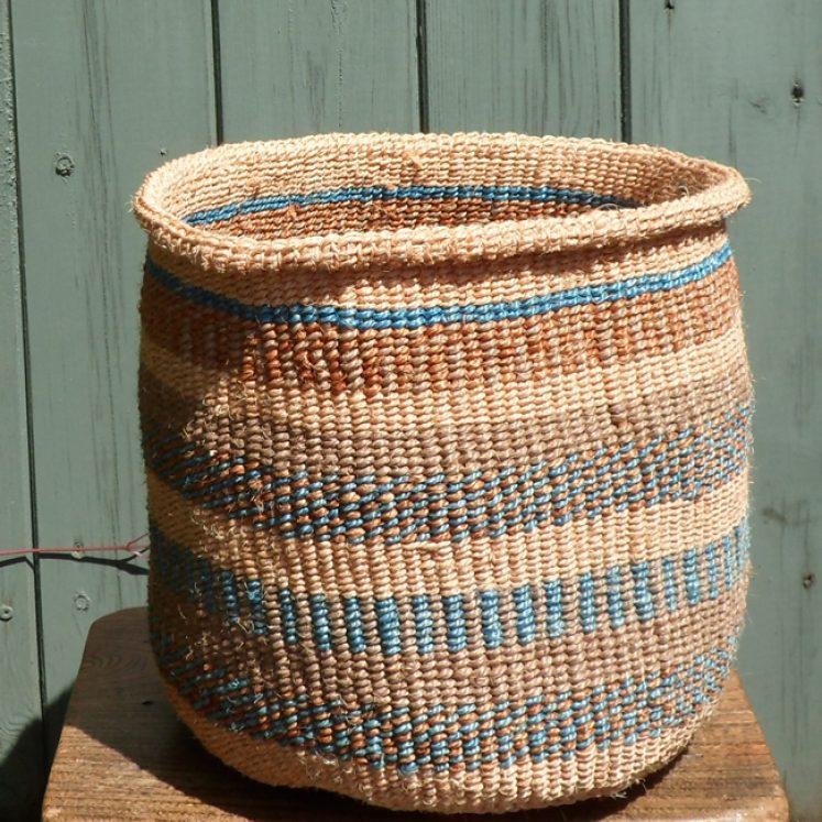 Medium sisal basket M15