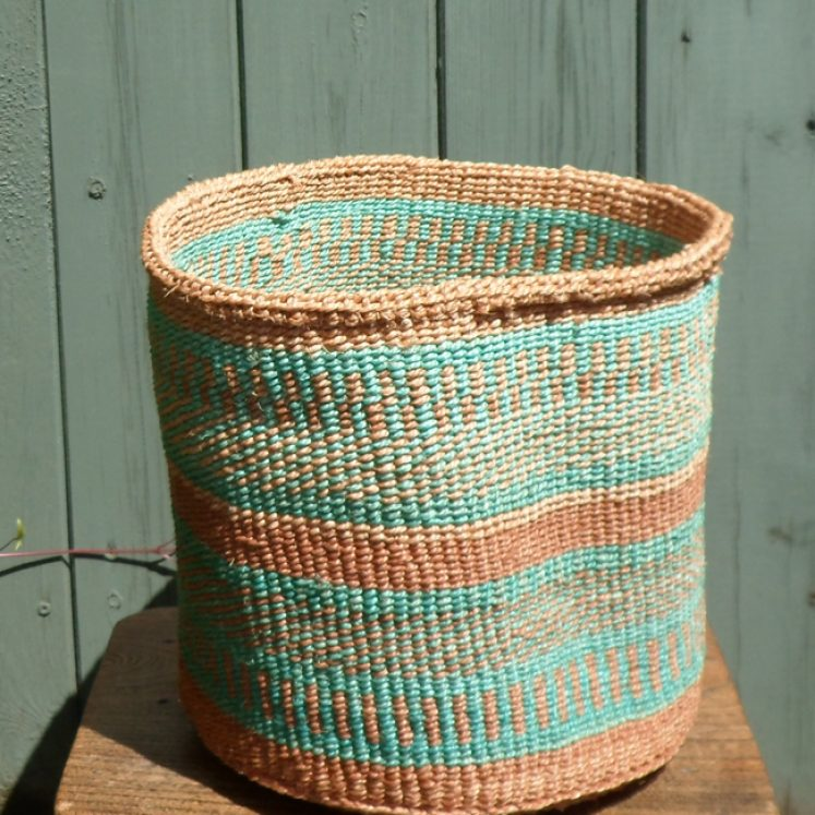 Medium sisal basket M17