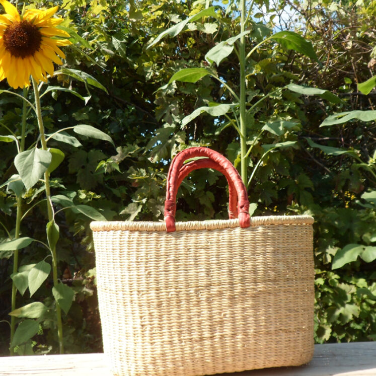 Oval shopping basket 1